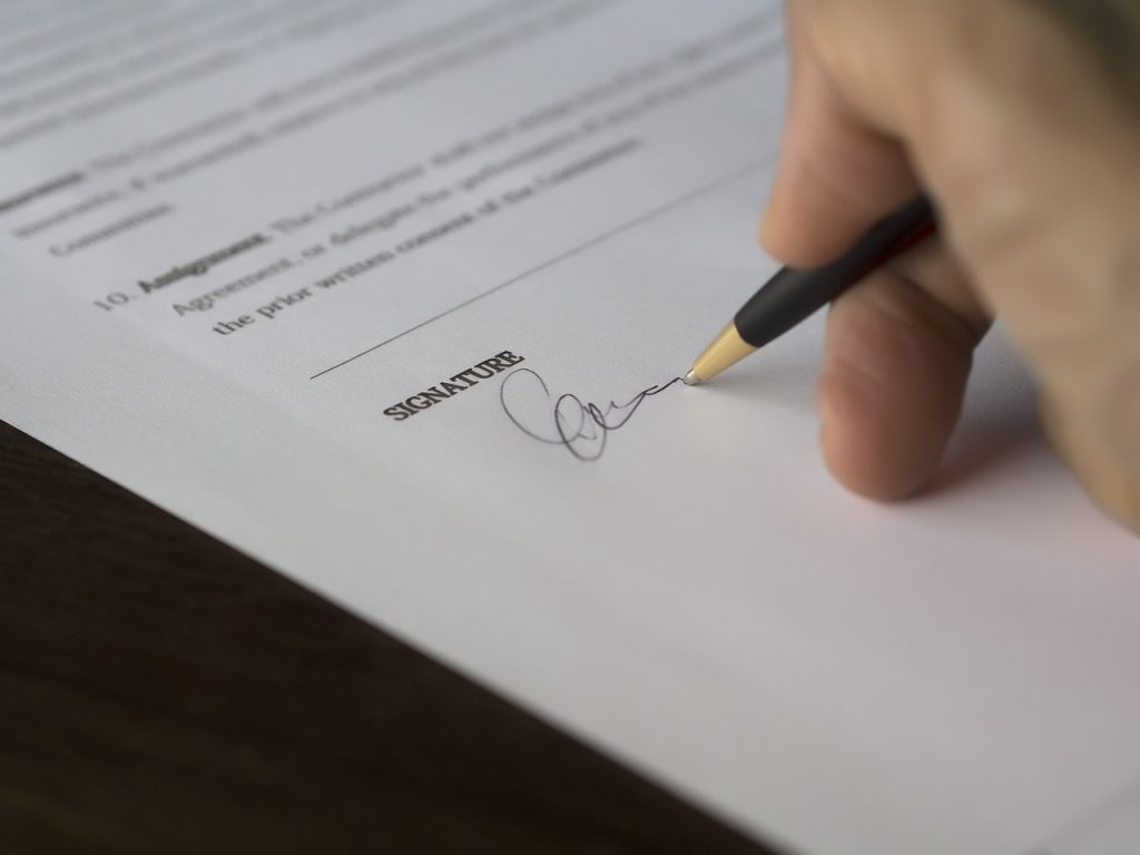 Contract Contain Alternative Dispute Resolution (ADR) Clause